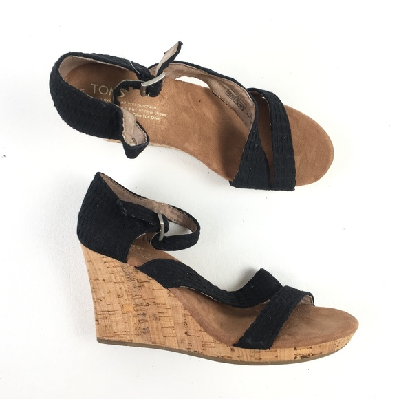 ae398f72e4658d Toms Black Strappy Wedges T215902
